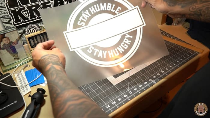 How-To-Use-Vinyl-Cutting-Machine-for-Heat-Press