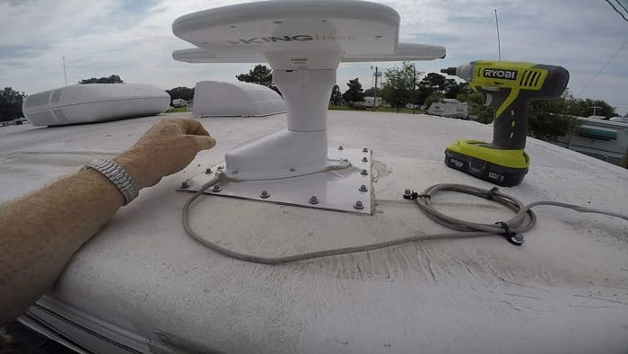 How-Hook-Up-TV-to-RV-Antenna