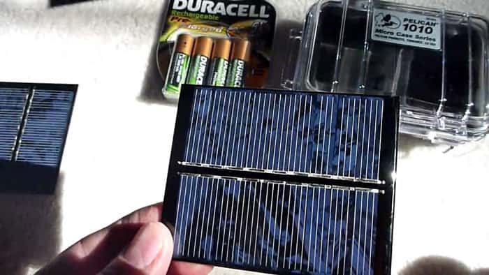Mini-Solar-Device-Charger