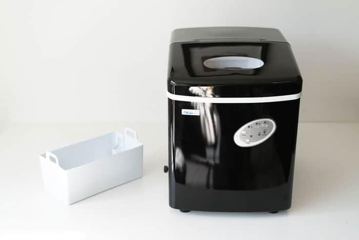Portable-Ice-Cube-Maker