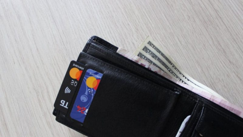 Best Safety And Comfortable Travel Wallet for Money
